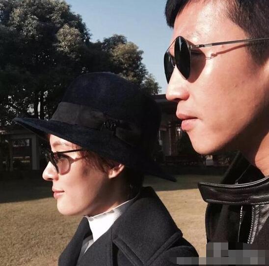孙俪邓超结婚六周年 孙俪邓超结婚证照片
