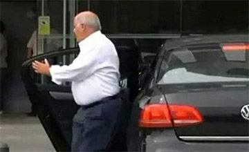 3个马云也没他有钱 座驾却是十几万的车