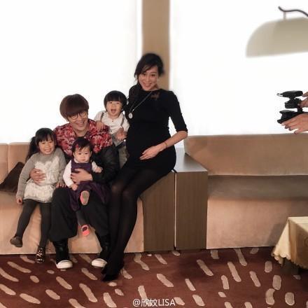 [明星爆料]陈浩民老婆还想生第5胎 家人太多买4500万新居