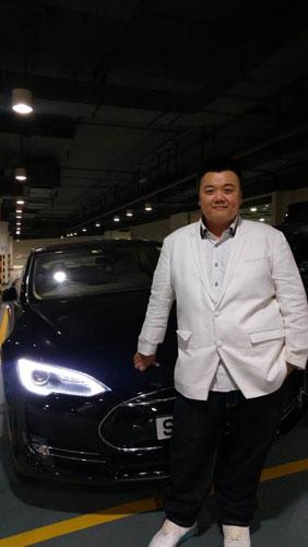 [明星爆料]走向人生巅峰!林子聪掷百万买跑车