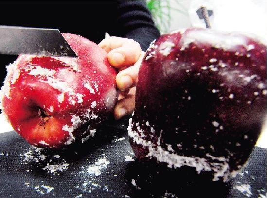 苹果打蜡(图片来源:网络图片)