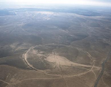 航拍图曝光约旦神秘巨石圈 最大直径近500米