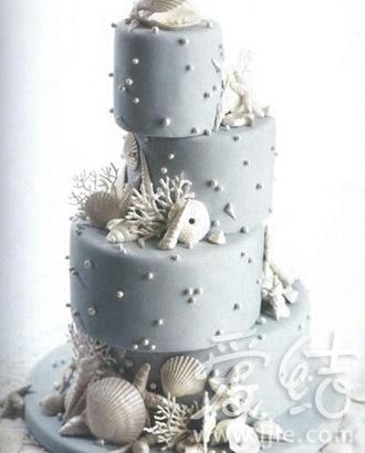 9款卡通型蛋糕 趣味你的婚礼(组图)