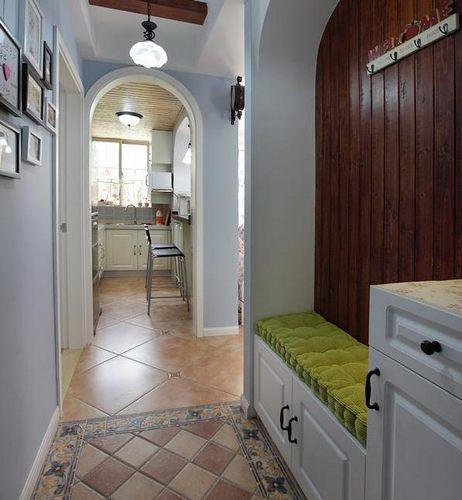 一室一厅,混搭的格调,效果很不错.40平米小户型装修温馨婚房,
