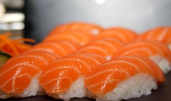 鱼生三文吃前宜减肥一天老人酱油不杀菌芥末怎么冷冻图片