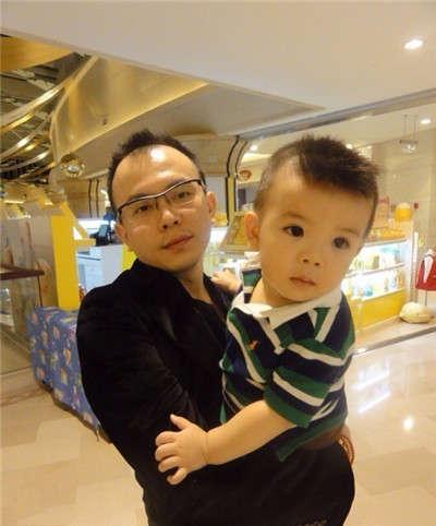 刘涛子女私照曝光 女儿漂亮儿子帅气
