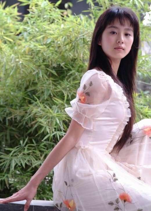 民国美女明星_这部片子的背景是民国时期的,其实我很想看刘诗诗穿旗袍啊,她有气质