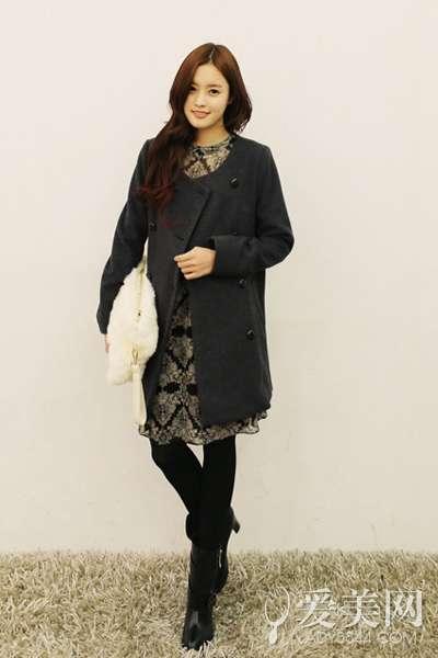 黑色系大衣也出彩 时尚冬装搭配术