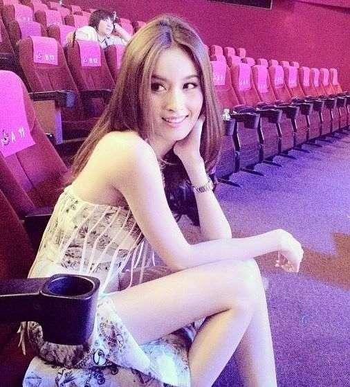 泰国性感人妖_> 正文   中国娱乐网综合  日前泰国最美人妖nong poy着华服性感亮相