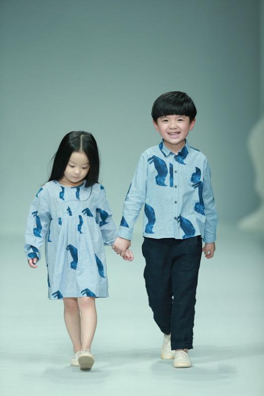 中国国际时装周江南布衣jnby by jnby童装2015秋冬发布会