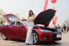 首届世界新能源车展在青举行