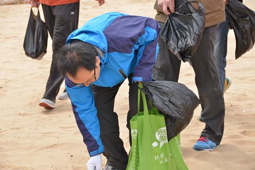 青岛地铁举办志愿者健步行活动 用行动支持世园会