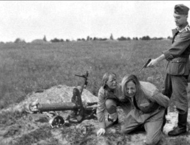 二战中纳粹德军暴行 肆意屠杀苏军战俘
