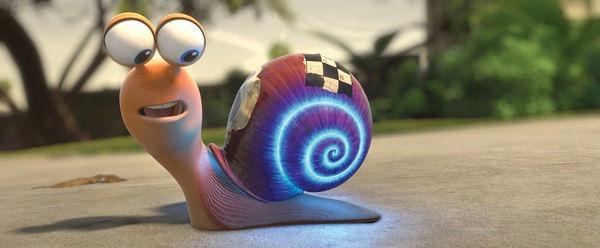 韩寒庆生低调包场看《极速蜗牛》 被评合家欢