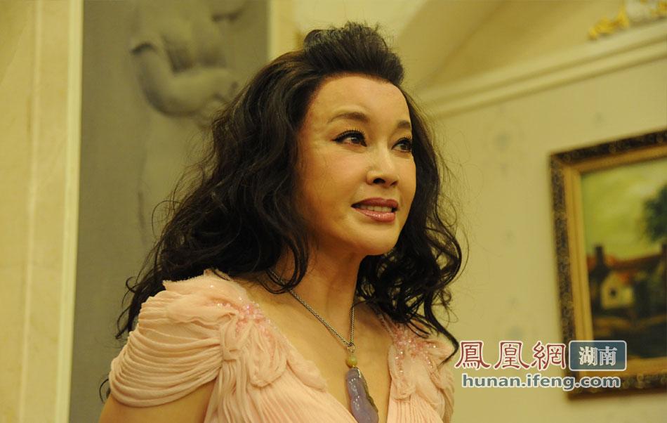 刘晓庆现身长沙 自称想做整形苦于五官不能动