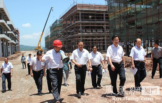 巴中市委书记李刚率全市党政领导视察盘兴中国