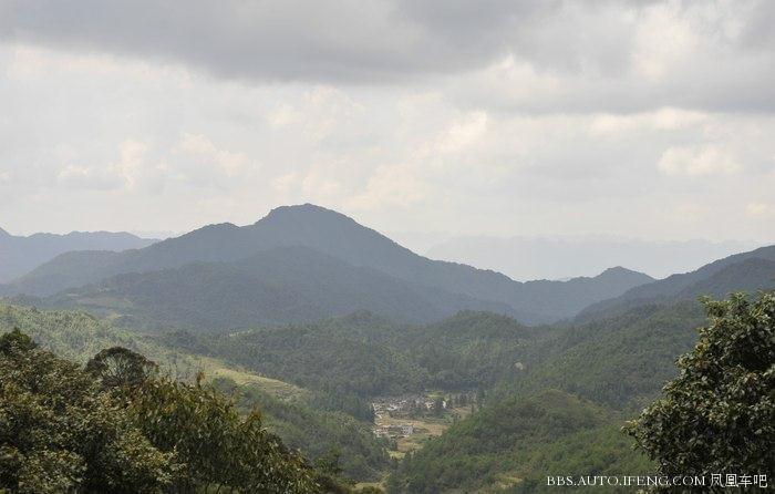 第二天行程,阳山秤架瑶族乡到乐昌市区       上广东第一峰途中的