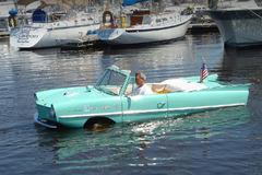 《经典车》欺山涉水的水陆两用车
