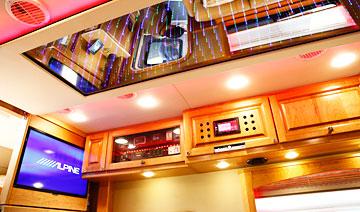 终极梦想移动的城堡 价值568万元的超豪华房车