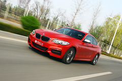 [凤凰测]BMW M235i双门轿跑车 玩的尽兴