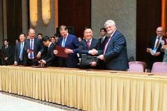 华泰汽车与德尔维斯公司签署合作协议