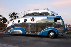 《房•车生活》DIY打造的DecoLiner