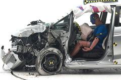 从碰撞中发现(一) 小型车碰撞谁受伤