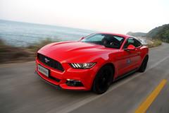 试驾福特Mustang 2.3T 小马依旧狂野
