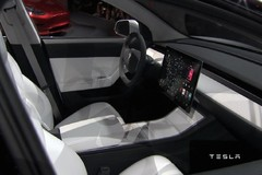 特斯拉Model 3或采用LG大屏 明年底产