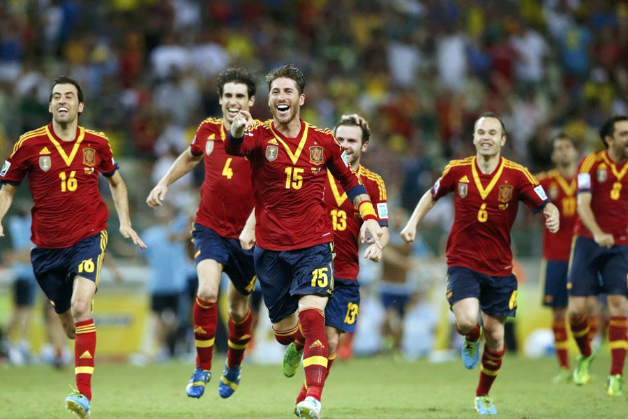 北京时间6月28日,2013巴西联合会杯半决赛,西班牙加时0比0战平意大利,并在点球大战中7比6胜出。意大利球员尤文铁卫博努奇射失点球,令球队遗憾出局。