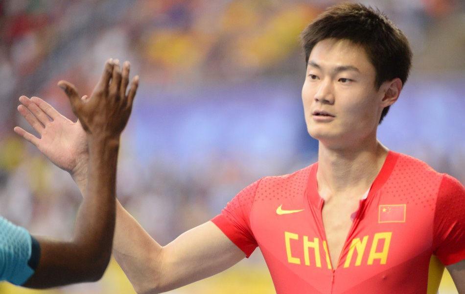 北京时间8月11日,2013年田径世锦赛男子100米预赛,中国选手张培萌以10秒04跑出小组第一名的成绩晋级半决赛。这创造了中国男子百米在世锦赛上新的纪录。而苏炳添也幸运入围,创造了同时有两位中国选手晋级半决赛的历史。此外牙买加名将博尔特以10秒07的成绩同样晋级半决赛。
