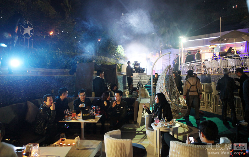 东莞社交新方式:私人会所中的奢华派对