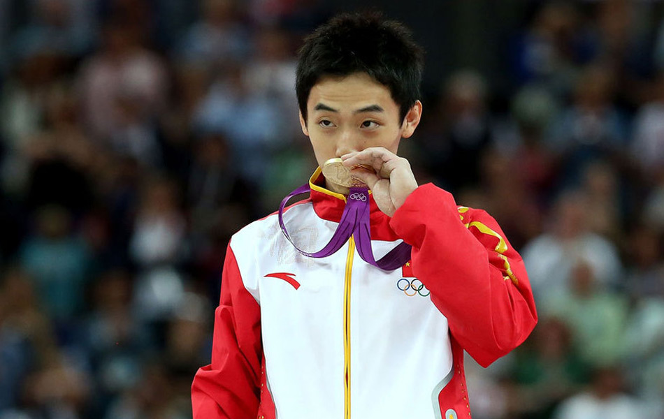 2012年8月5日,男子自由操,中国名将邹凯以15.933分获得冠军,日本名将内村航平名列第二,俄罗斯选手阿布里亚金夺得铜牌。