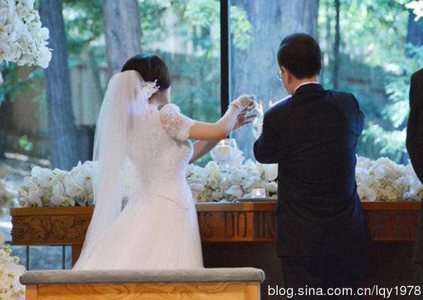 刘晓庆美国大婚现场(组图) - JESUS LOVE YOU     - 耶稣说:我是道路、真理、生命------