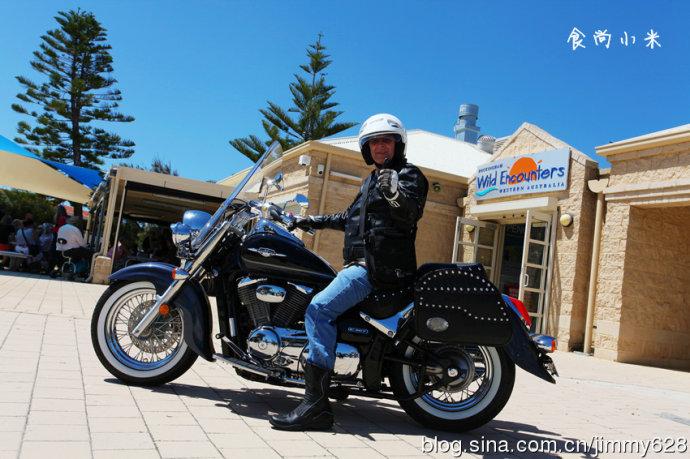 """北京 帕斯/澳洲的大叔正应了那句话""""老要张狂"""",这里喜欢骑摩托飙车的大..."""