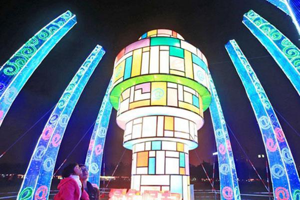 海口市第九届万春会大型灯展亮灯 免费对市民开放