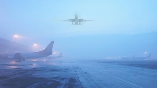 """民航局:国内十大机场飞北京航班机长""""能在雾霾中起降"""""""