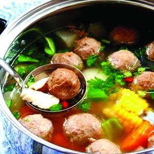 潮汕牛肉火锅:牛肉丸筋道,吃的是韧