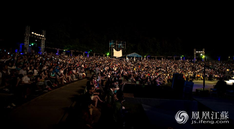 """南京森林音乐狂欢季:热力不减 全场""""嗨到爆"""""""