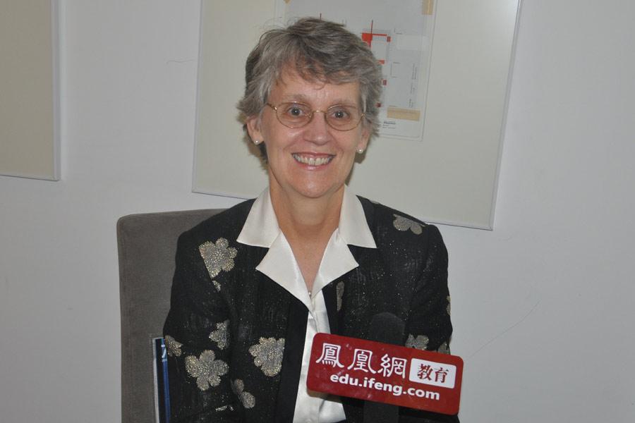 美国瓦萨学院(Vassar College)校长凯瑟琳·希尔(Catharine Hill)女士。