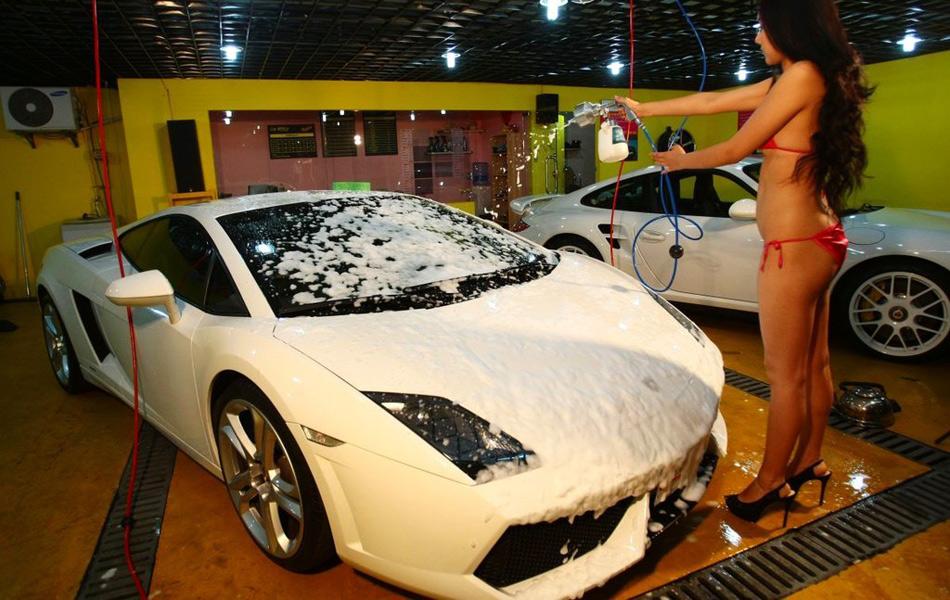 上海一家地下洗车场推特色服务 城市频道