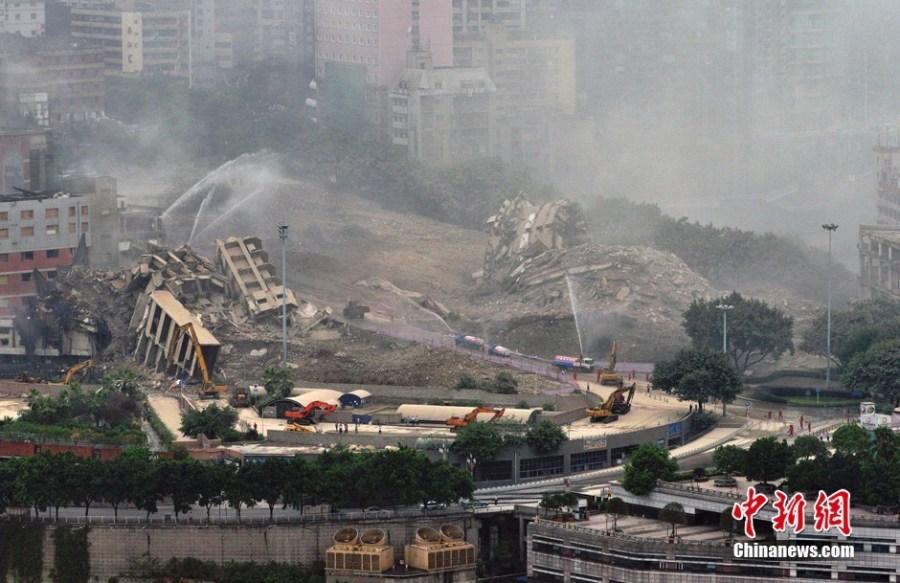 重庆爆破拆除朝天门老地标建筑