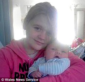 英国13岁男孩与12岁女孩生子 外祖母27岁