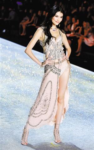 中国模特何穗