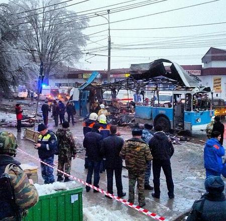 俄罗斯媒体公布的无轨电车爆炸现场照片