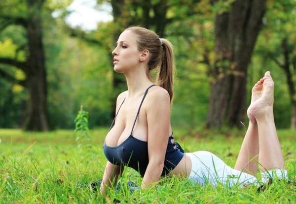 人间胸器德国美女真空练瑜伽性感爆乳 凤凰网