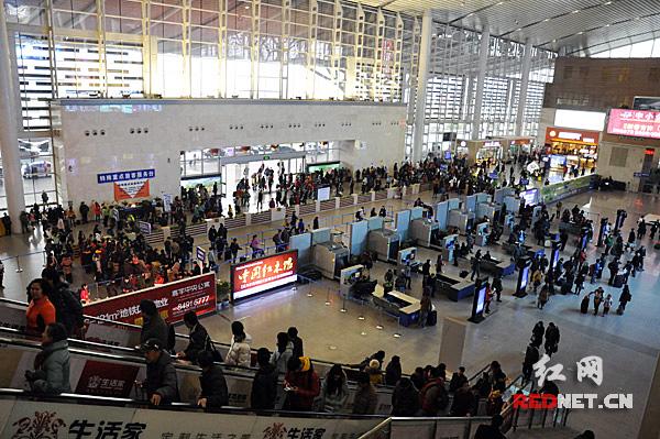 【新春走基层】春节假期结束 长沙火车南站迎返程高峰