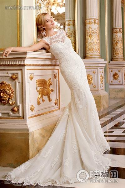 欧式镂空婚纱图片