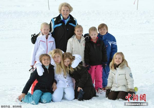 荷兰王室成员奥地利滑雪度假(高清组图)