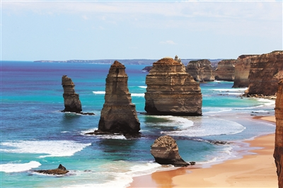 2个月份的美景-在澳大利亚维多利亚州南部海岸线上,坐落着闻名遐迩的标志性景观十